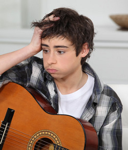 perplexed-guitar-boy-cropped